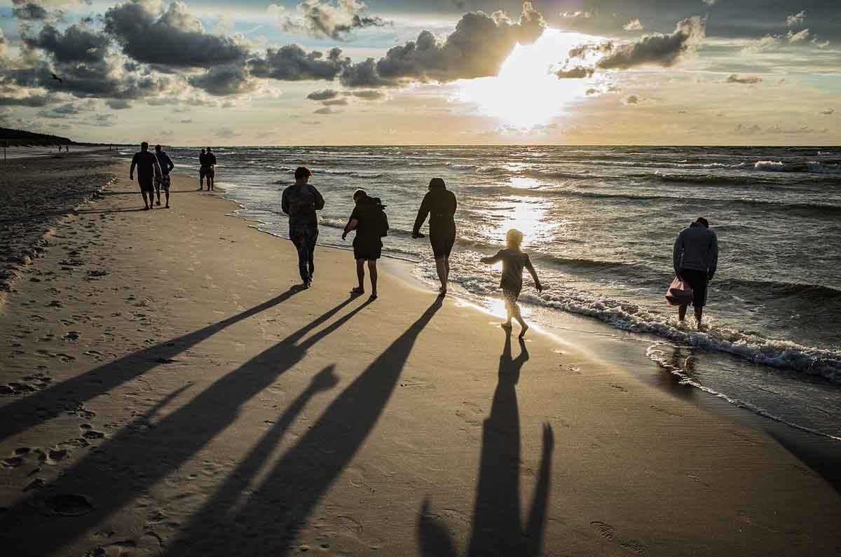 wandelen aan de kust